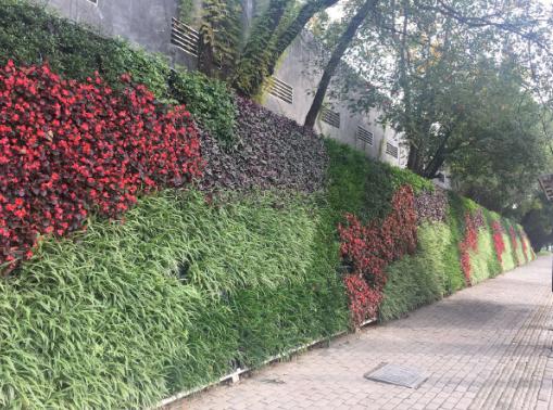黄石市一道路段挡土墙立体千亿国际娱乐